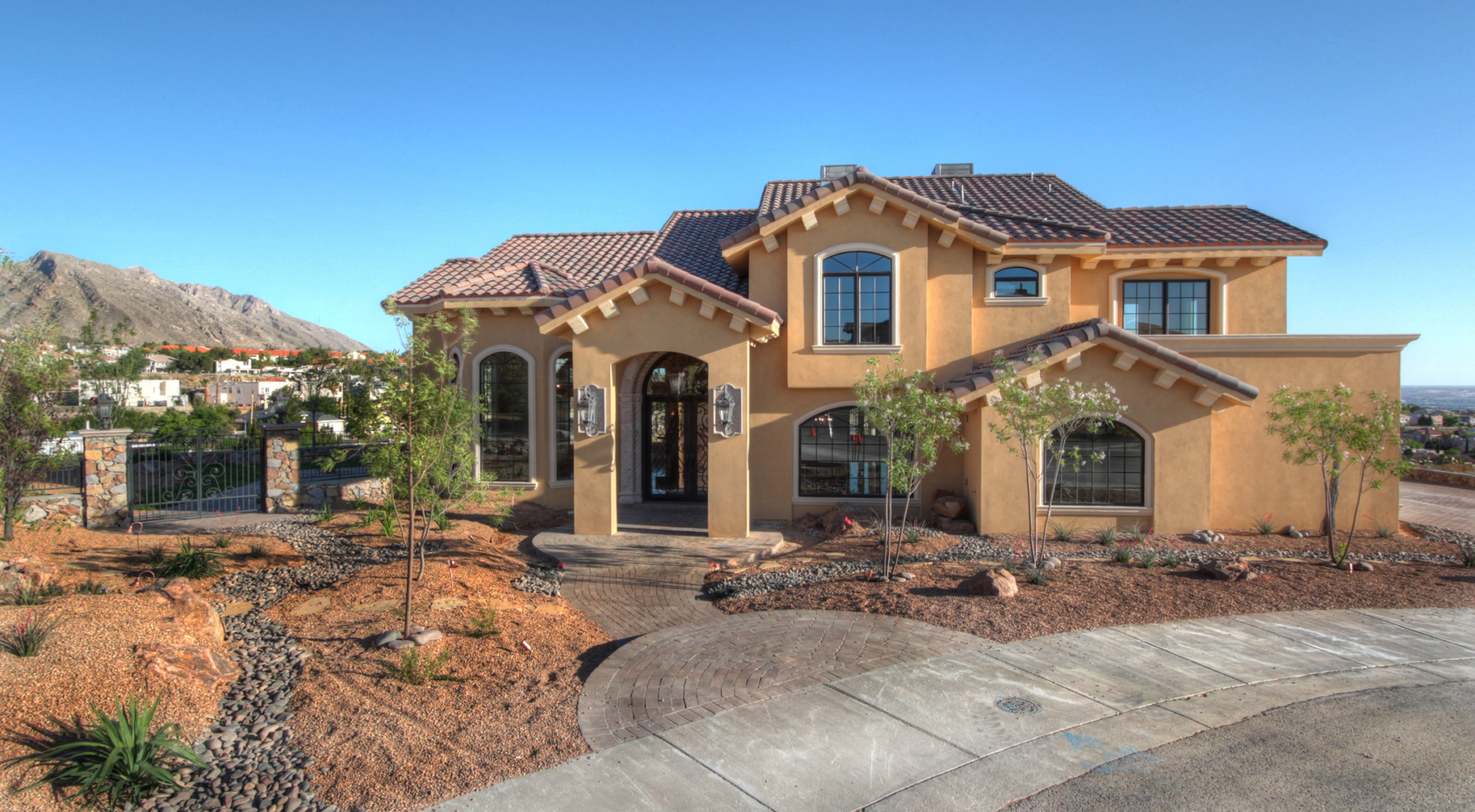 Custom home builders el paso tx custom plan park hills for Custom house builder online