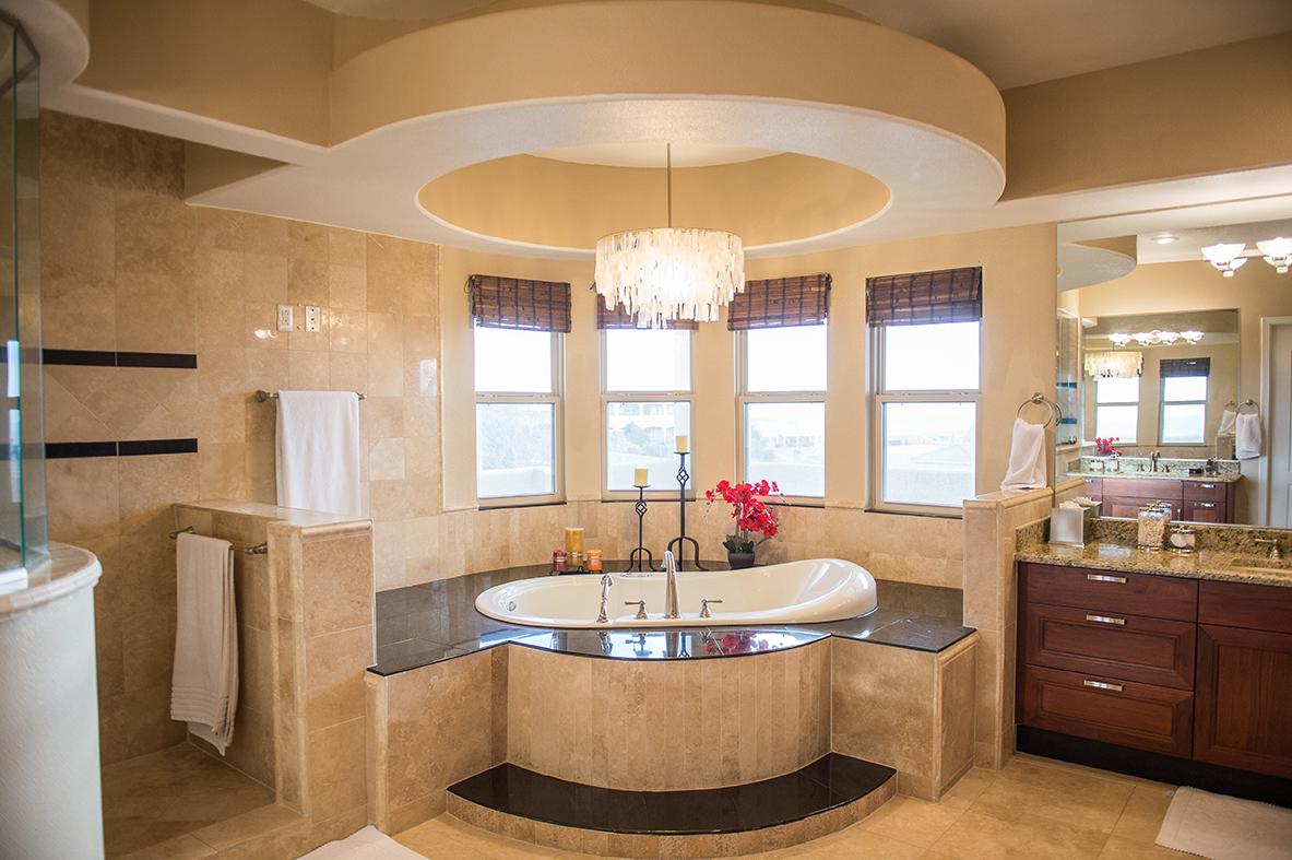 Franklin Hills El Paso TX Carravagio Master Bath Tub