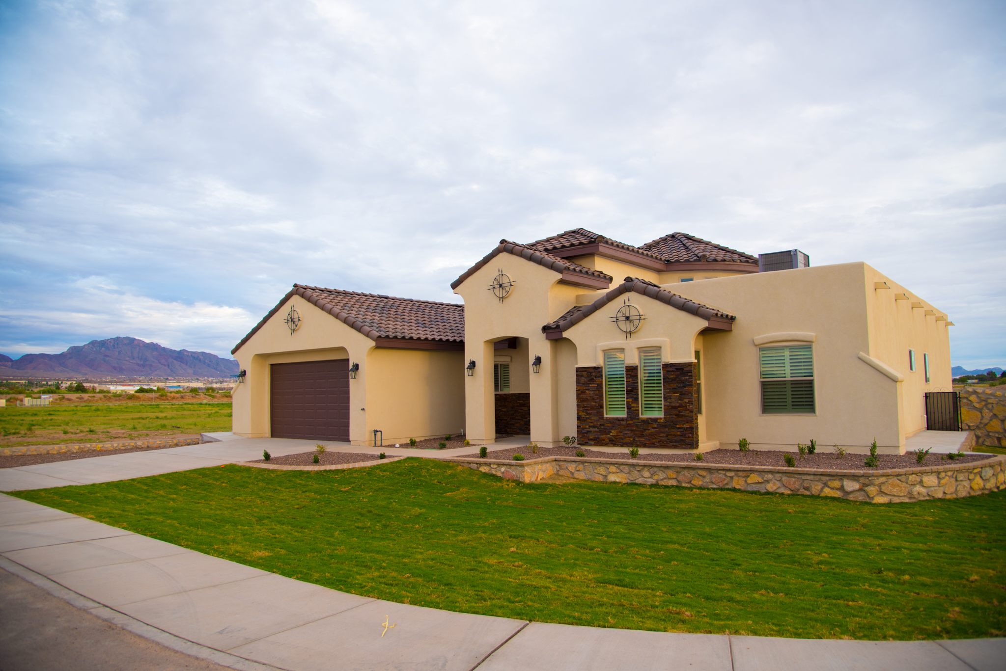 El paso custom homes padilla homes murcia haciendas for Housing builders