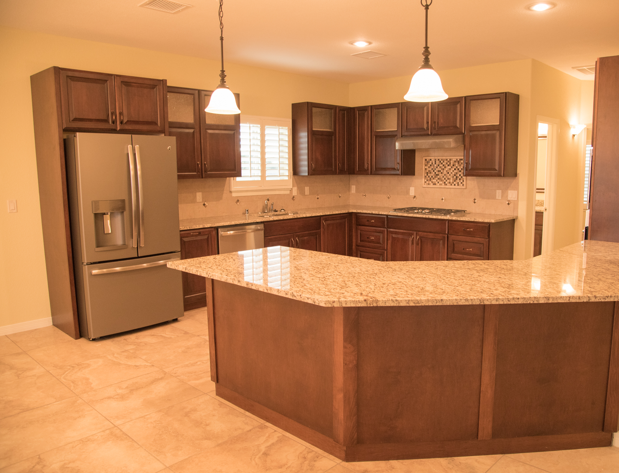 El paso custom homes padilla homes murcia haciendas for Kitchen cabinets el paso tx