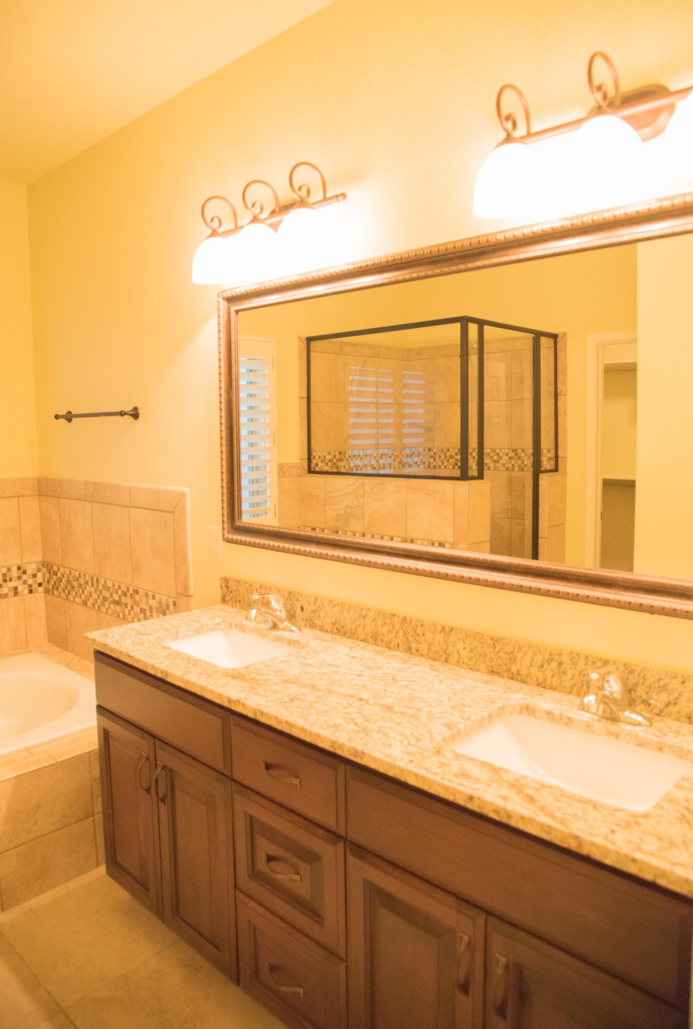 Haciendas del Rio El Paso TX Morgia II Master Bath